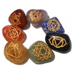 7 Chakra Steine und Mineralien mit Chakra-Symbolen (16577)