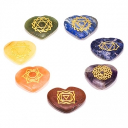 Set 7 Chakra symbolen mineraalstenen - hartvorm (16439)