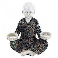 Shaolin monnik met 2 waxinelichthouders
